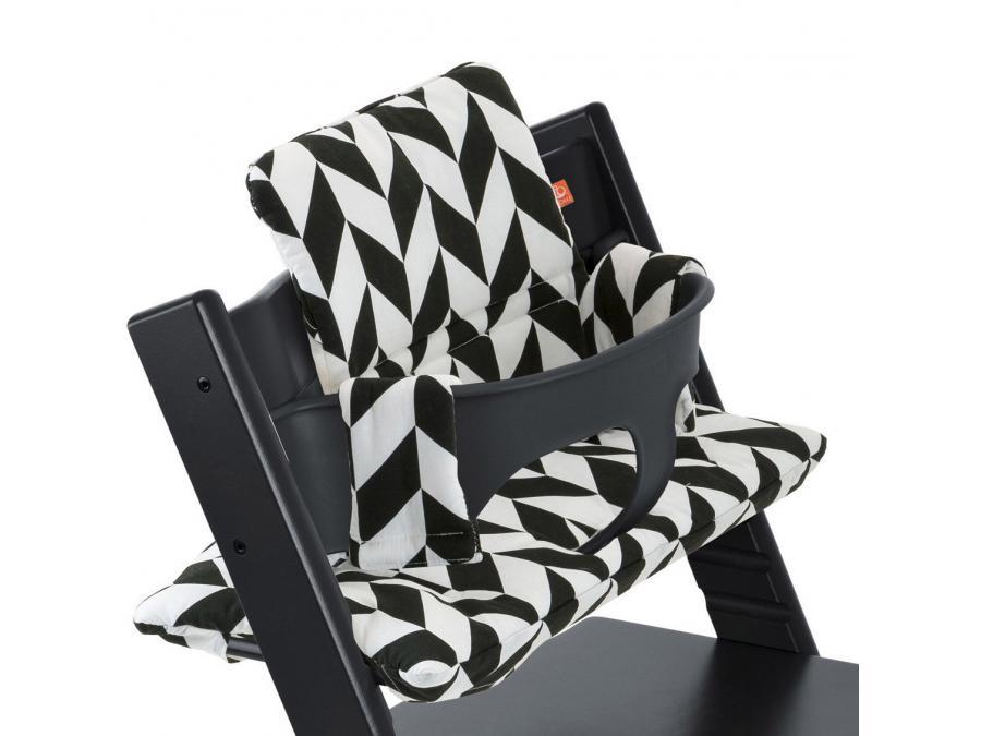 stokke coussin pour chaise tripp trapp chevrons noir. Black Bedroom Furniture Sets. Home Design Ideas