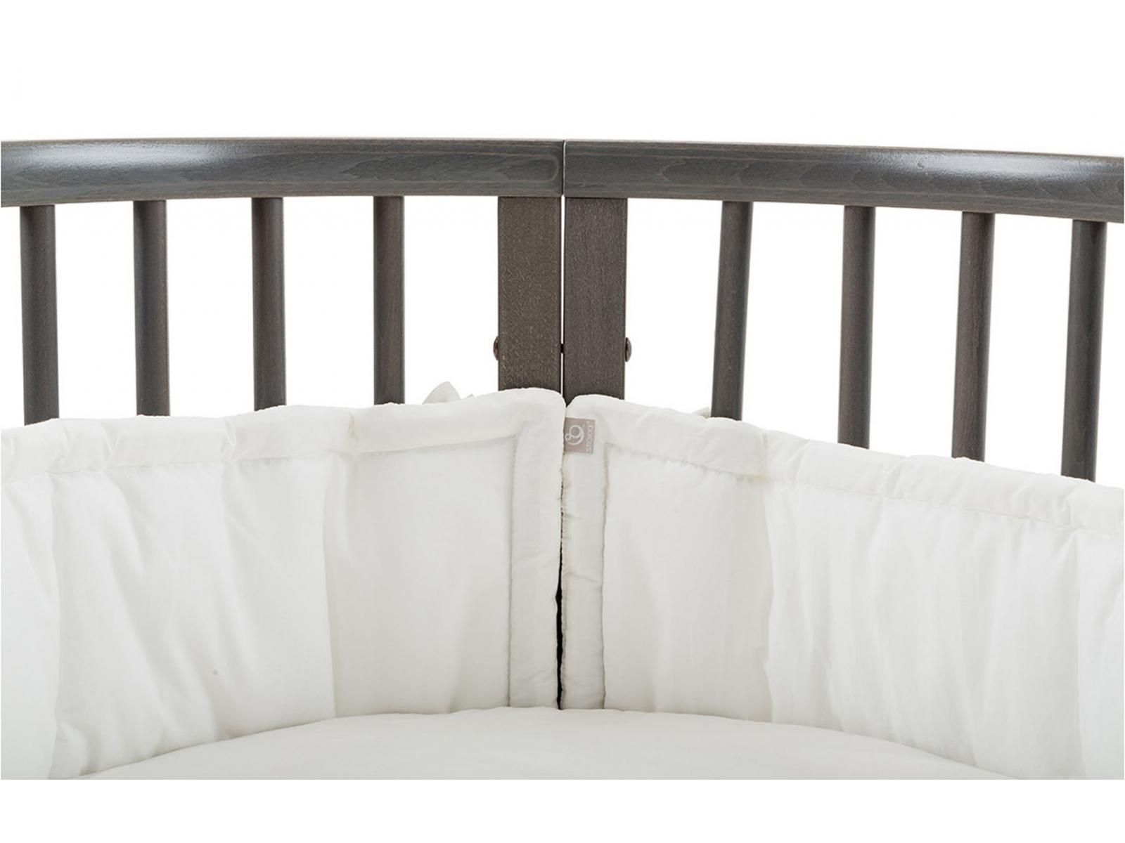 stokke tour de lit universel blanc. Black Bedroom Furniture Sets. Home Design Ideas