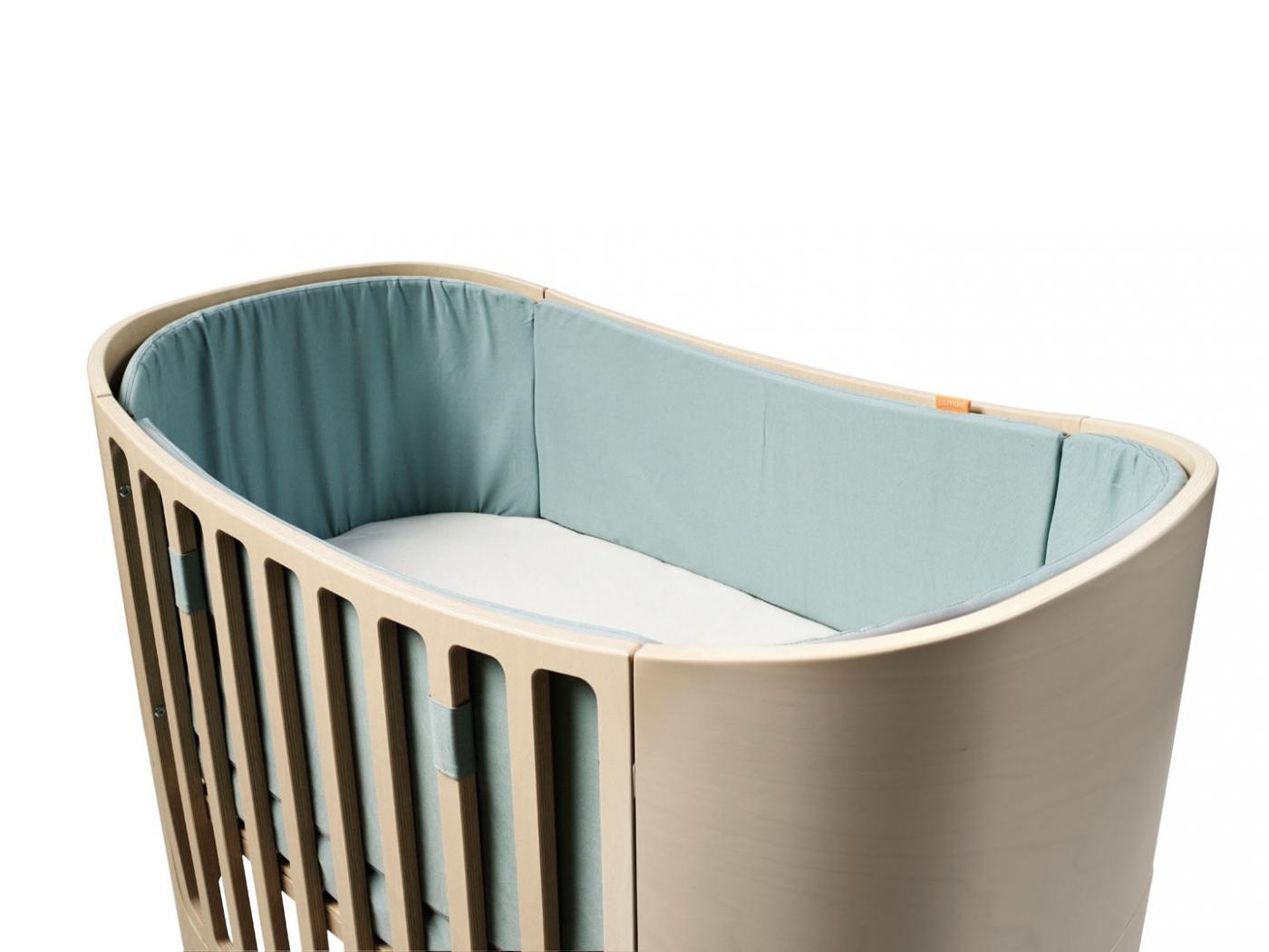 leander tour de lit bleu pale pour lit b b volutif. Black Bedroom Furniture Sets. Home Design Ideas