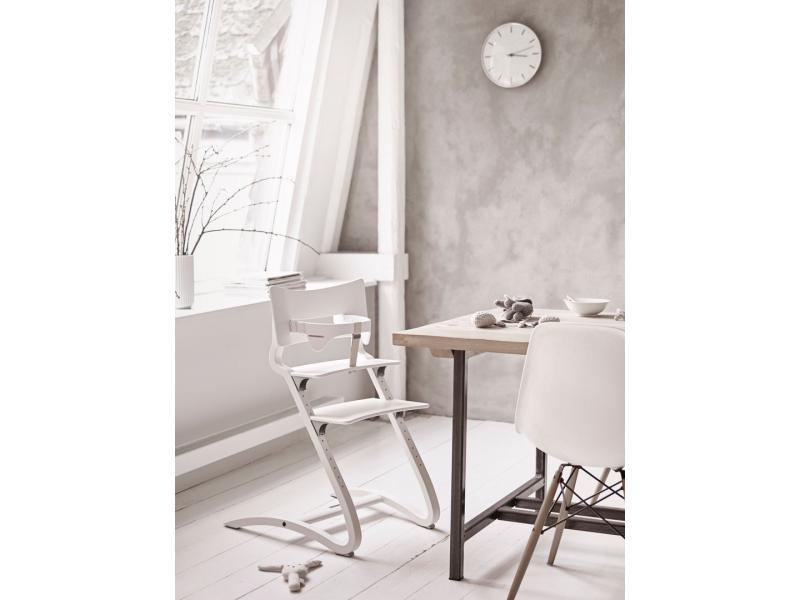 leander chaise haute naturel. Black Bedroom Furniture Sets. Home Design Ideas