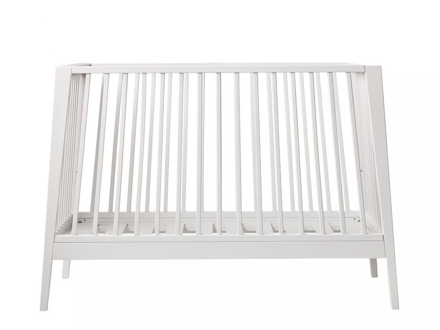 leander lit b b volutif linea blanc sans matelas. Black Bedroom Furniture Sets. Home Design Ideas
