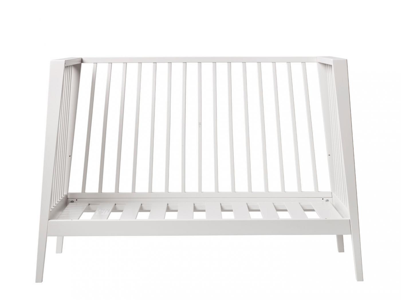 leander lit b b linea en h tre blanc sans matelas. Black Bedroom Furniture Sets. Home Design Ideas