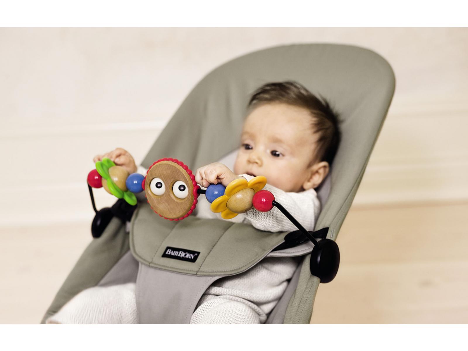 babybjorn jouet en bois pour transat yeux espi gles. Black Bedroom Furniture Sets. Home Design Ideas