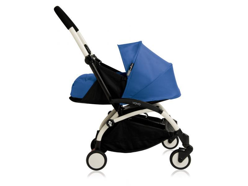 nouvelle poussette babyzen yoyo plus cadre blanc et nacelle bleue pour la naissance. Black Bedroom Furniture Sets. Home Design Ideas