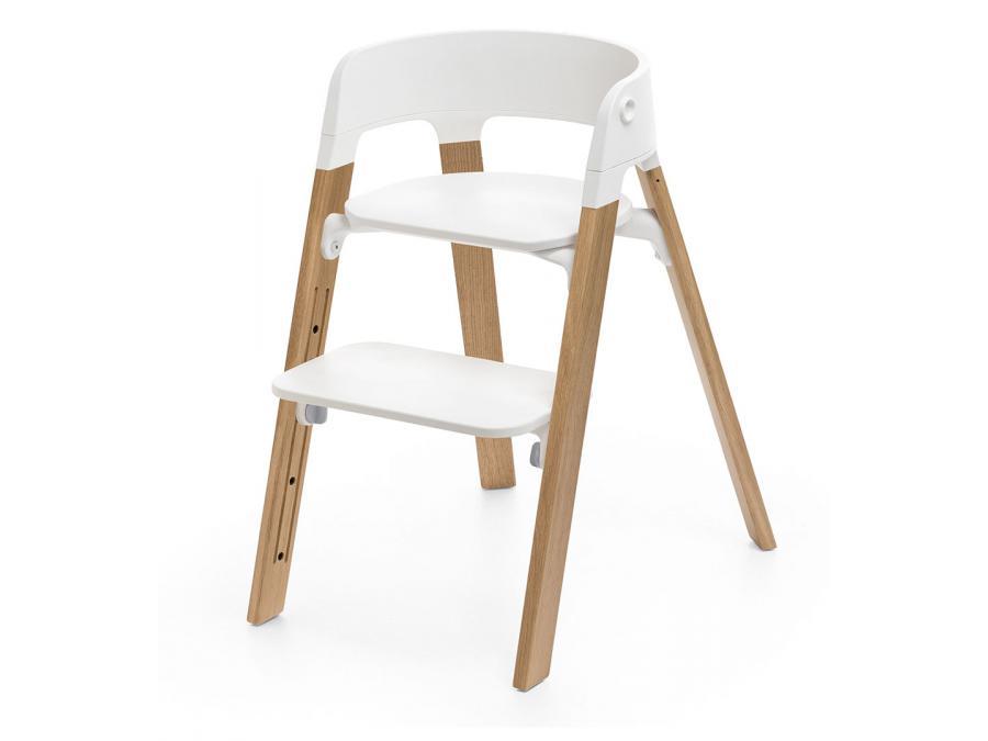 Chaise steps assise blanche pieds en bois de chene naturel Chaise blanche et pied bois