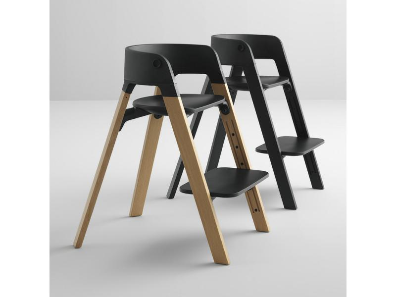 Chaise stokke steps assise noire pieds en bois de h tre for Chaise haute stokke avis