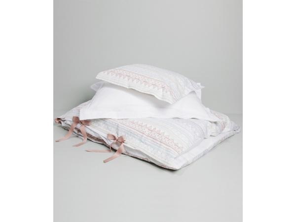 garbo and friends parure de lit scrabble blanche. Black Bedroom Furniture Sets. Home Design Ideas