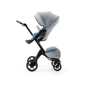 Stokke - 493402 - Poussette Xplory V5 Chassis noir avec siège et sac shopping Athleisure Marine, porte gobelet et ombrelle inclus (360336)