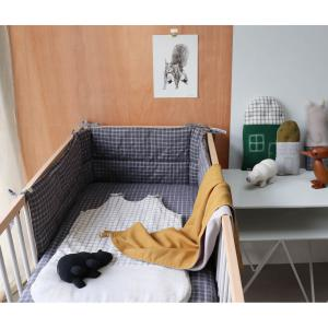 Camomile London - C24D OA - Couverture légère bicolore ocre / gris clair avec broderie dorée fait main - 105 x 105 cm (364250)