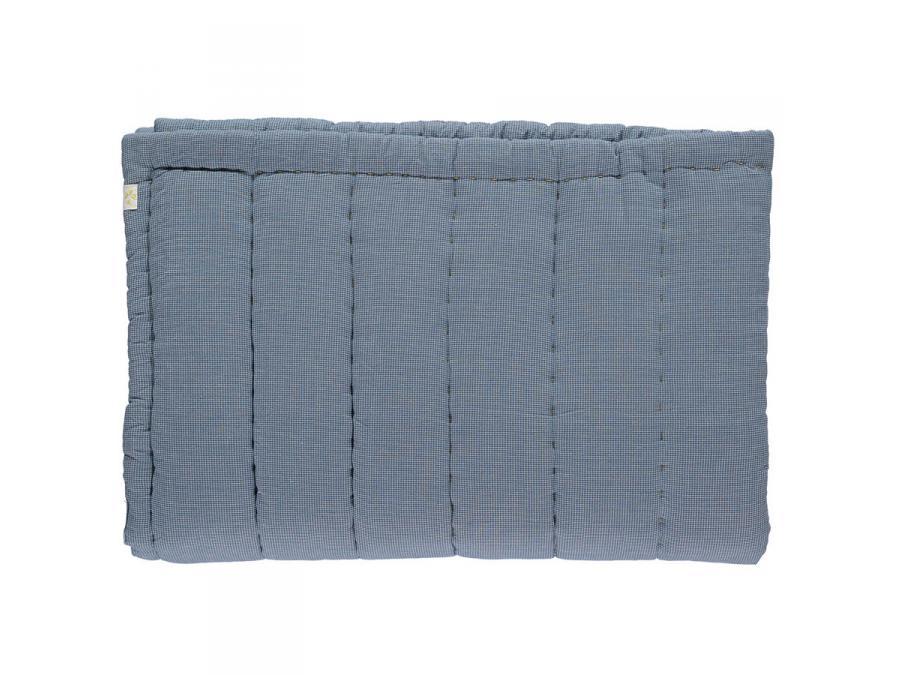 camomile london couverture matelass e brod e main imprim e petits carreaux bleus 75 x 120 cm. Black Bedroom Furniture Sets. Home Design Ideas