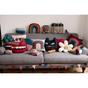Oeuf Baby Clothes - G12617141599 - Coussin Ballon de foot rose et multicolore en alpaga (364670)