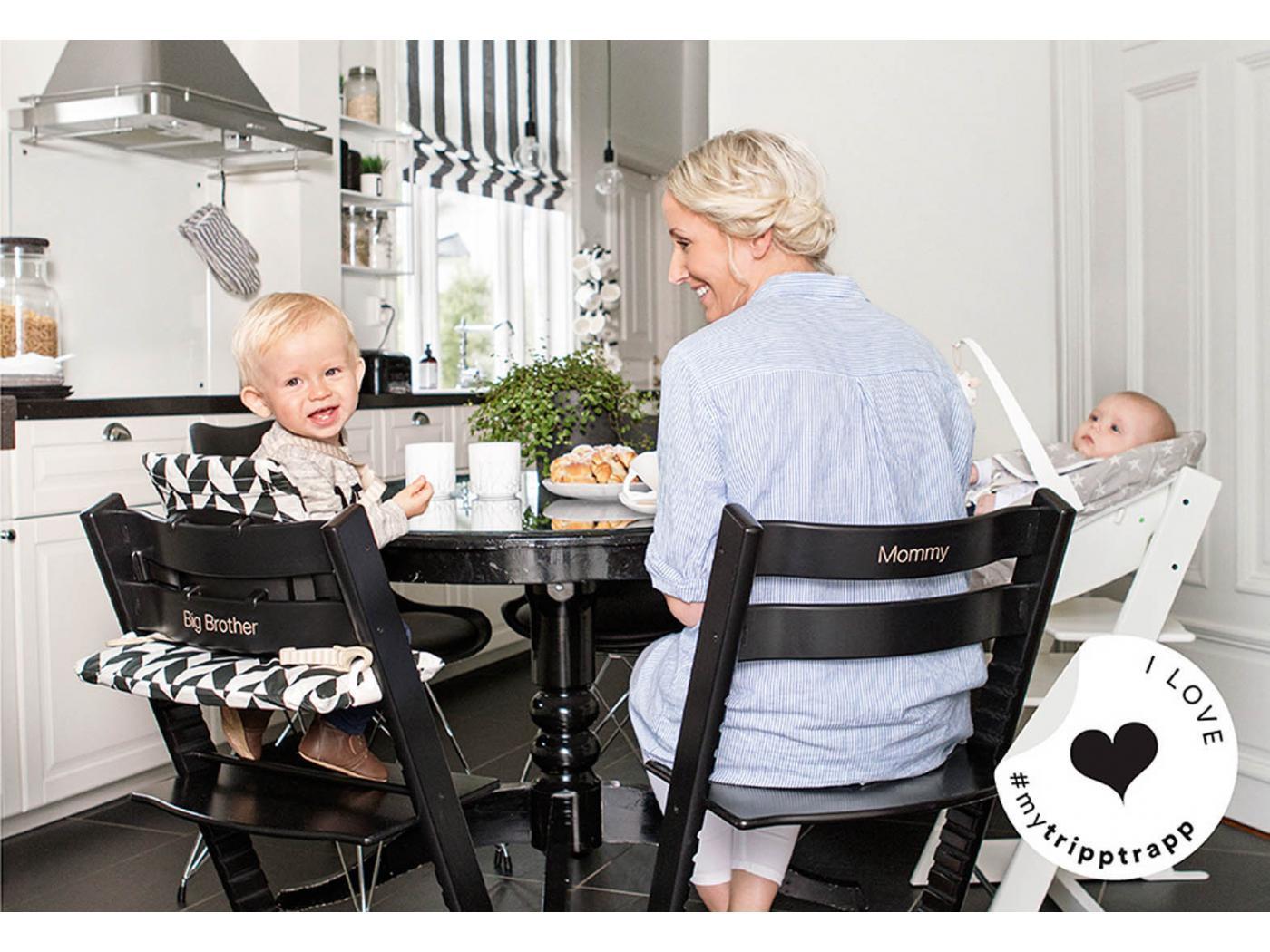 Stokke chaise haute tripp trapp ch ne noir personnalisable - Harnais chaise tripp trapp ...
