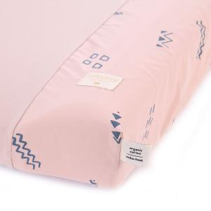 Nobodinoz - N098197 - Housse de matelas à langer Calma 70x50 cm en coton organique blue secrets - misty pink (386940)