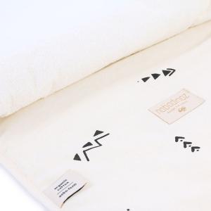 Nobodinoz - N097664 - Matelas à langer Nomad 60x35 cm en coton organique  black secrets - natural (387058)