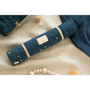 Nobodinoz - N097732 - Matelas à langer Nomad 60x35 cm en coton organique  gold stella - night blue (387068)