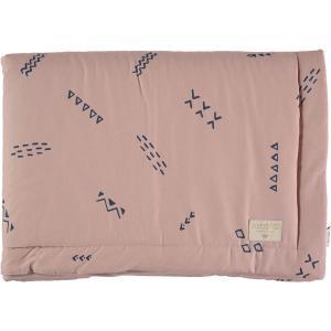 Nobodinoz - N101880 - Couverture Laponia 100x140 cm blue secrets - misty pink (387874)