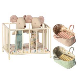 Maileg - BU016 - Set de bébé souris, poupée jumeaux en boîte avec parc bébé at nacelles (415538)