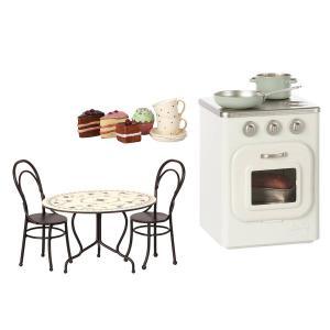 Maileg - BU026 - Poêle en métal, gâteaux et vaisselle pour 2, set de table à manger, Mini (415558)