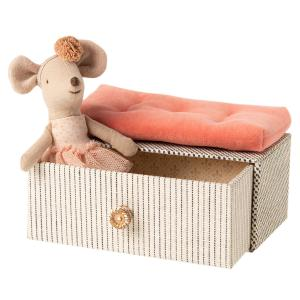 Maileg - 16-0601-00 - Dancing mouse in daybed, Little sister - Taille 10 cm - à partir de 36 mois (421758)